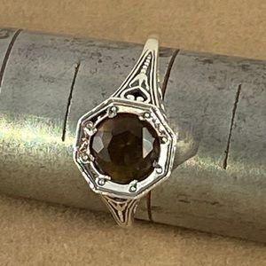 Gem Emporium Jewelry - 1 Carat Garnet set in a 925 Silver Art Deco Ring